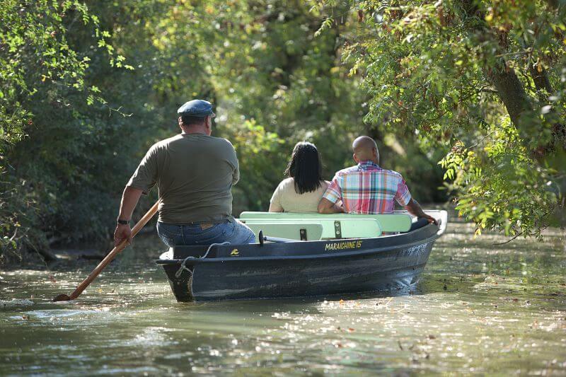 Balade en barque dans les marais poitevin